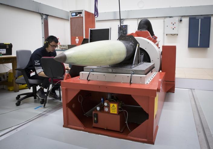Gevoelige NLR-elektronica voor Stratos III-raket overleeft triltest