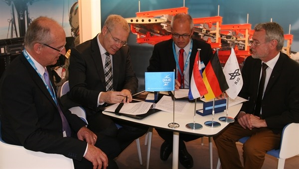 DLR-NLR Signing the Memorandum of Understanding