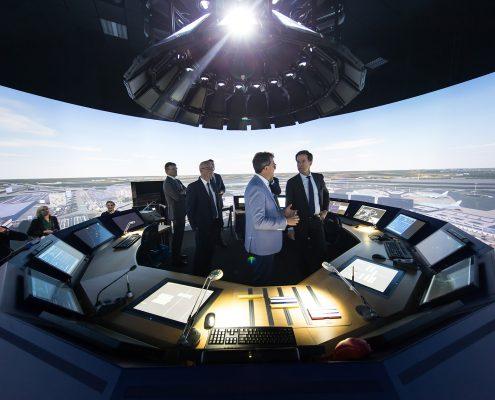 Minister-president Mark Rutte brengt werkbezoek aan NLR