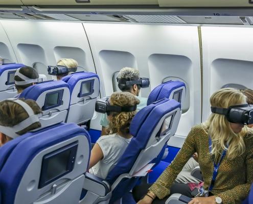KLM en NLR testen gevolgen gebruik VR-bril in cabinesimulator