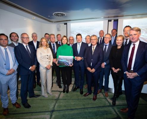 Luchtvaartsector overhandigt actieplan 'Slim en Duurzaam' aan minister I&W